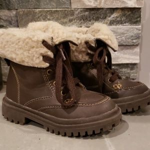 Brown Sherpa Winter Boots Size 8